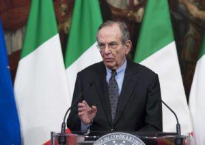 Italia, gli effetti della manovra economica più importanti di quelli del referendum