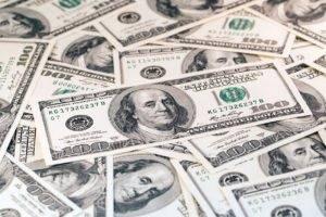 Portafogli, attenzione alle possibili correzioni di bund e dollaro