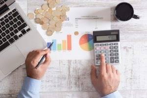 Perché alcuni consulenti utilizzano altri esperti per gestire il proprio denaro