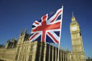 Elezioni UK, l'incertezza dell'esito del voto penalizza il Regno Unito