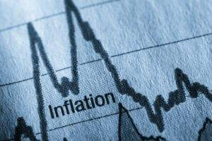 Inflazione, incertezza politica e tassi: meglio meno rischi nei portafogli