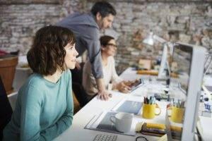 Boom di secondi lavori negli USA, donne millennials le più attive