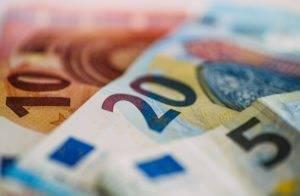 Euro forte, ecco l'impatto sugli utili delle società della zona euro