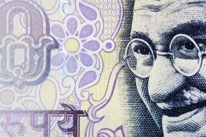 India, la Banca centrale non si fida dell'inflazione e del rallentamento economico
