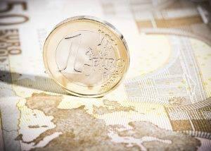 Zona Euro, adesso le questioni politiche possono indebolire euro e BTP