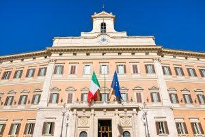 Debito Italia, il fragile equilibrio all'ultimo gradino del rating investment grade