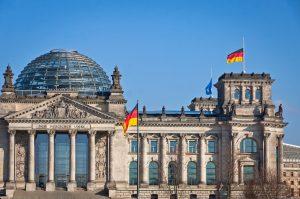 Zona euro, la solidità della crescita minimizza pure l'instabilità politica tedesca