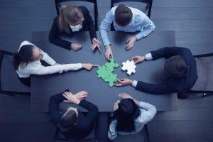 Flessibilità e alternative all'azionario: gli intermediari dettano i temi d'investimento