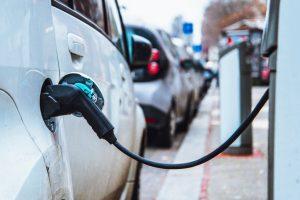 Auto elettriche pronte a dare la scossa anche a PIL e occupazione