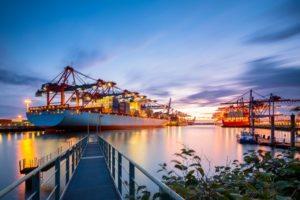 Protezionismo, il rischio di una guerra commerciale globale è al 15%
