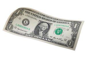 Dollaro USA, i fondamentali di lungo termine dicono che è sopravvalutato