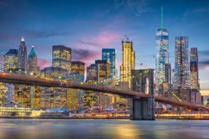 """Mercato immobiliare di lusso di New York, """"guerra"""" a colpi di sconti e regali"""