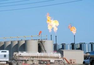 Petrolio, le prospettive di lungo termine trainano il settore oil & gas