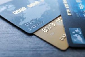 Carte di credito, il rialzo della Fed costerà 2,2 miliardi in più ai consumatori