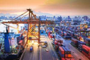 Basta l'incertezza per rallentare il commercio internazionale