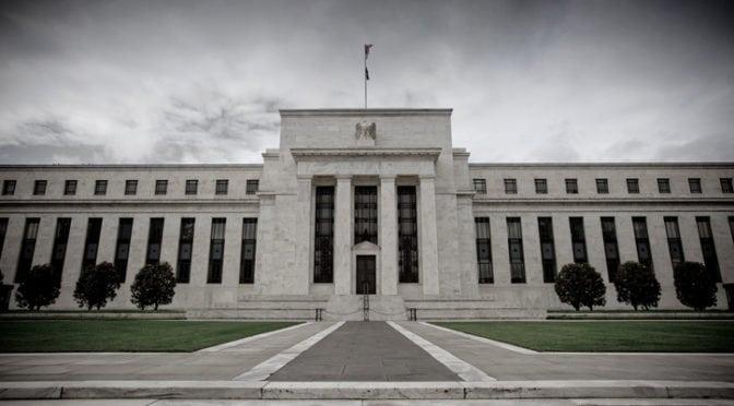 Curva dei tassi USA: se la Fed non rallenta i rialzi nel 2020 ci sarà una recessione