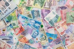 Valute emergenti, il deprezzamento non penalizza tutti i settori