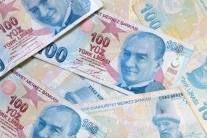 Tre motivi per cui il crollo della lira turca spaventa i mercati di tutto il mondo