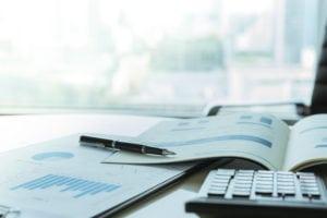 Investimenti: portafogli flessibili con azioni bancarie europee, dollari e CTZ e BOT