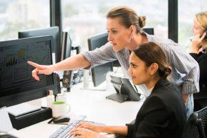 Donne e investimenti: il mondo del risparmio gestito non può perdere altro tempo