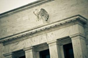 """Fed verso il 3%: cosa significa eliminare riferimenti a politiche """"accomodanti"""""""