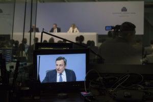 La tentazione pericolosa di incolpare Fed e BCE