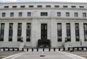 Perché il dollaro cresce nonostante la svolta dovish della Fed