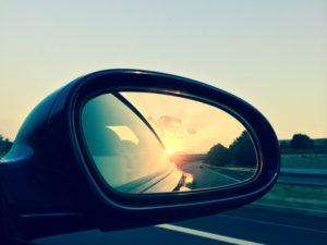Investimenti, il rischio di guardare nello specchietto retrovisore