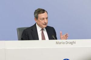 Draghi risponde con la persistenza alle incertezze che persistono