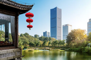 Economia globale, la metamorfosi cinese: da minaccia a salvezza
