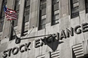 Azioni frenate dagli utili, le buone valutazioni non bastano