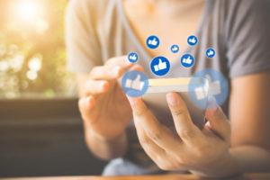 Colossi tech Usa sotto tiro, ma Facebook continuerà a crescere
