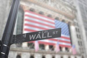 Mercati azionari, frenata estiva prima dei nuovi massimi