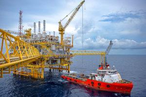 Petrolio, Russia e Arabia Saudita d'accordo sul prolungamento dei tagli