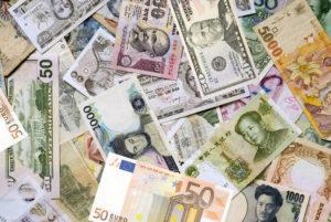Sulle valute è guerra fredda: chi vincerà il terzo round?