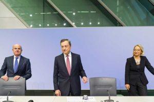 Draghi imbraccia il bazooka, ma non scopre tutte le carte