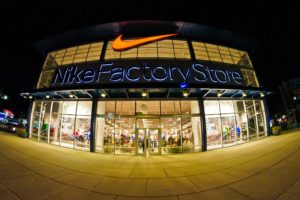 Azioni, Nike sorride in Borsa grazie a donne e bambini