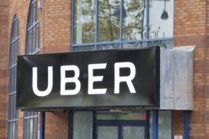 Uber, è il momento di vendere? Gli esempi di Amazon e Facebook