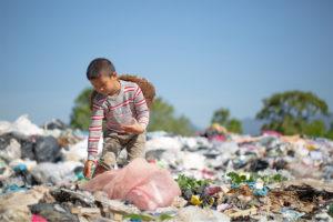 Un Nobel contro la povertà nel mondo