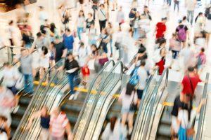 Recessione, americani preoccupati ma i consumi crescono