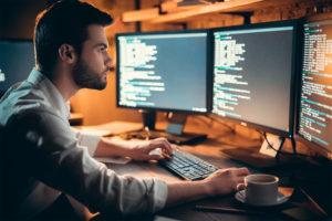 Software, gli analisti promuovono Microsoft e declassano Oracle