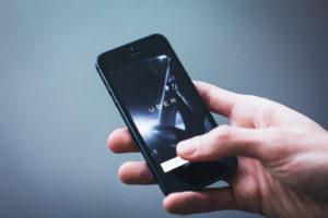 Allarme sicurezza, Uber perde la licenza a Londra