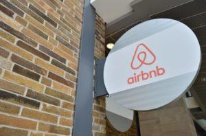 Il 2020 sarà l'anno delle Ipo di Airbnb e Deliveroo?
