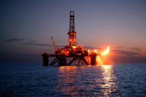 Petrolio sotto i riflettori non solo per crisi Usa-Iran: serve per altri trent'anni