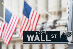 Wall Street resiste al coronavirus e apre in positivo