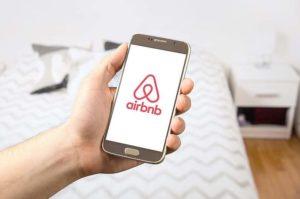 Coronavirus, da Airbnb 250 milioni per gli affittuari colpiti dalle cancellazioni