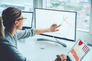 Come investire in una fase di crisi? Sei consigli comportamentali da Schroders